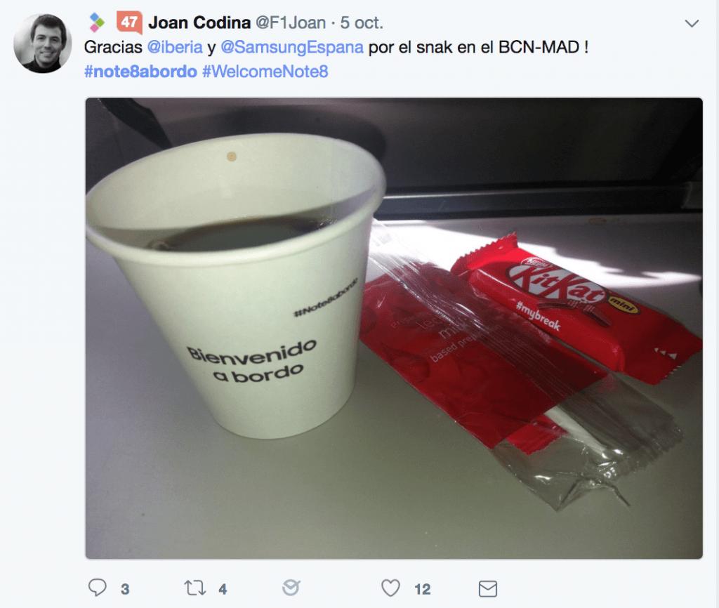 Tweet co-branding